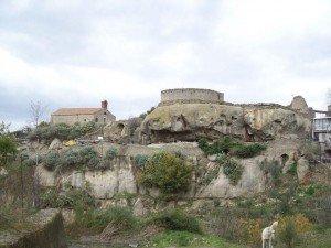 Castel leone san-vincenzo-300x225